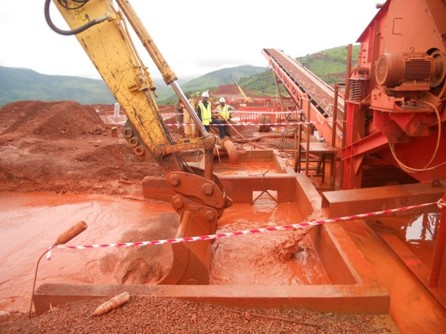 Wet crushing plant
